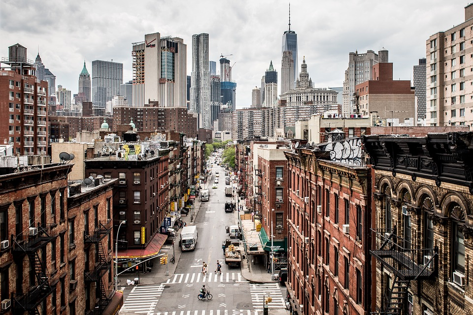 Manhattan vs Brooklyn - The clash of beauty, culture and practicality.
