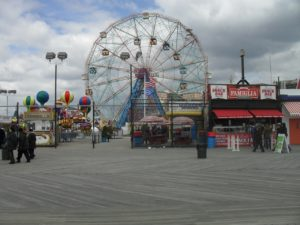 Ferris wheel is one of the attractions for children in New York