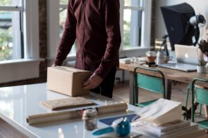 Label your boxes with all your details when moving to moving from NYC to St. Paul