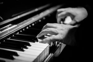 black and white picture of a piano