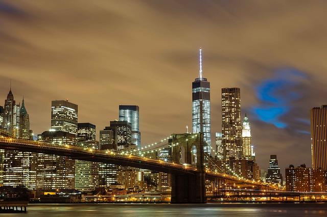 Brooklyn Bridge overlooking Manhattan