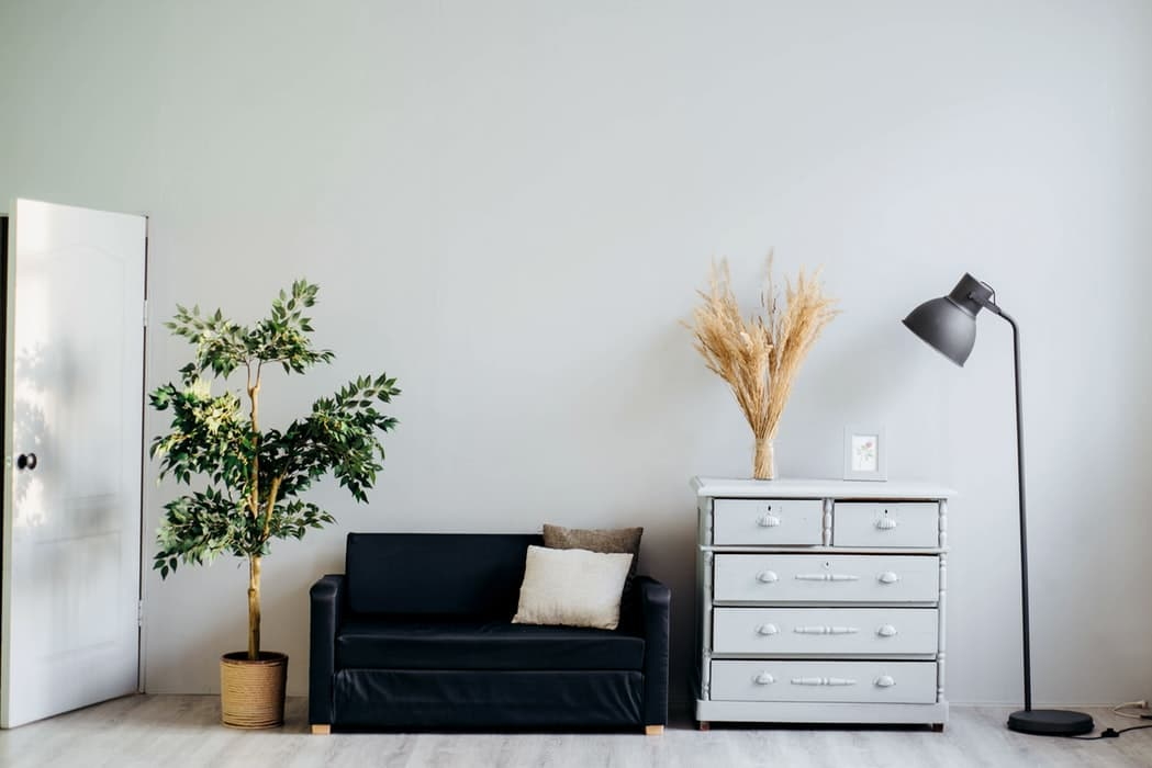 Knowing how to disassemble furniture makes your relocation easier.