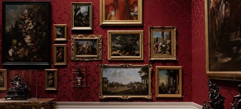 Old pictures on the wall - Reasons to hire professional fine art movers