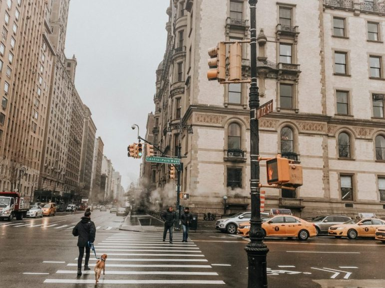 Moving from East Village to Upper East Side by walking on the street
